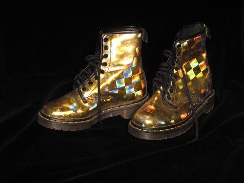 Nice: Doc Martens, Hologram Misskl, Hologram Doc, Nice Shoes, Accesorios Shoes, Gold Doc, Dr Martens Creepers, Holograms Spring, Martens Wishlist