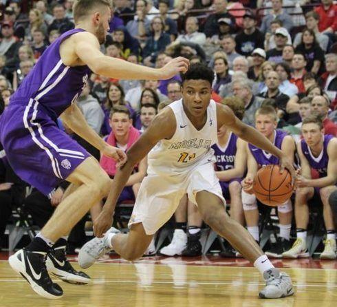 Wv Metronews Cincinnati Guard Becomes Wvu S First Hoops Commit For 2019 Cincinnati Mountaineer Basketball Basketball Program