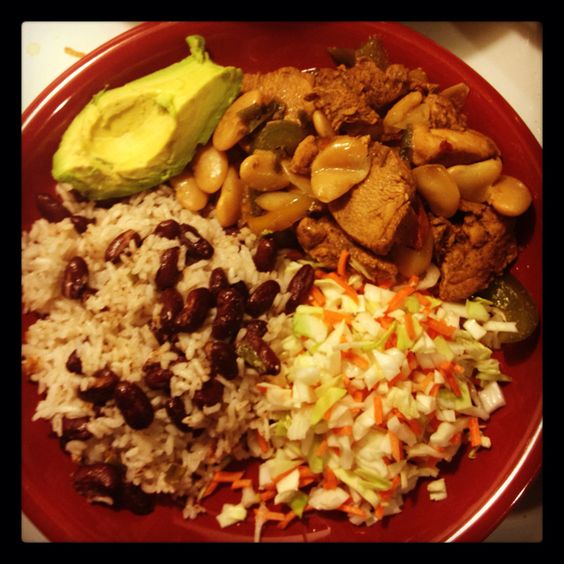 Brown stew chicken, rice & peas, cabbage salad, and avocado #jamaicancood