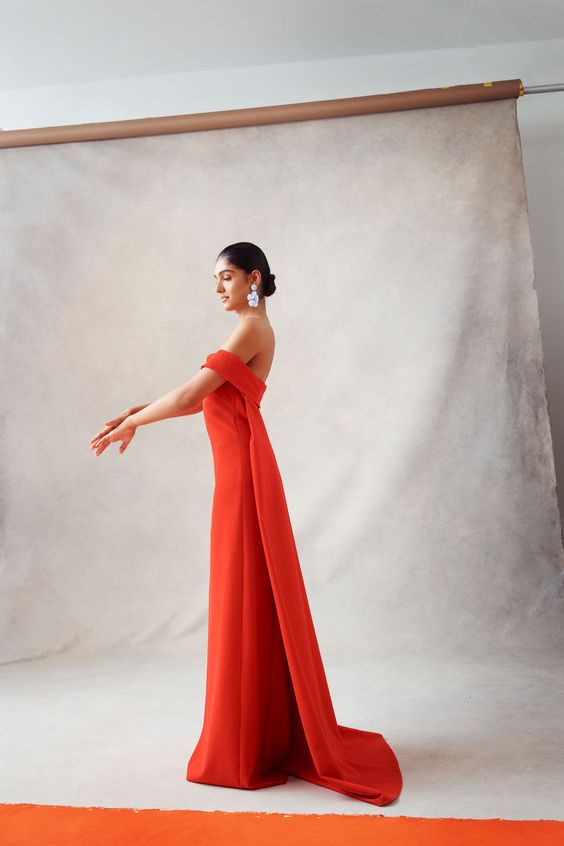 Sachin & Babi Spring 2019 Ready-to-Wear Fashion Show Collection: See the complete Sachin & Babi Spring 2019 Ready-to-Wear collection. Look 15