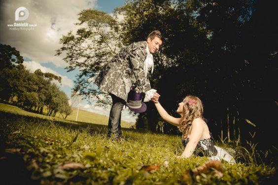 Ensaio Fotográfico Temático: Sucesso entre os Casais de Noivos | Blog Site da Noiva - Ensaio Gizely + Junior | No País das Maravilhas 09