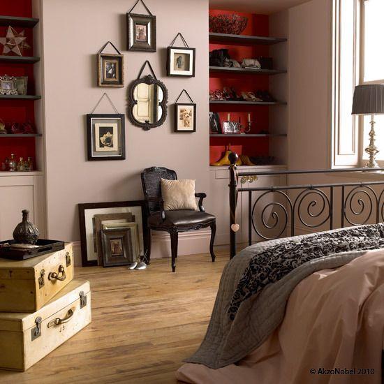 Dulux Zestaw Bedroom In A Box: Mellow Mocha™ & Raspberry Bellini™ Bedroom