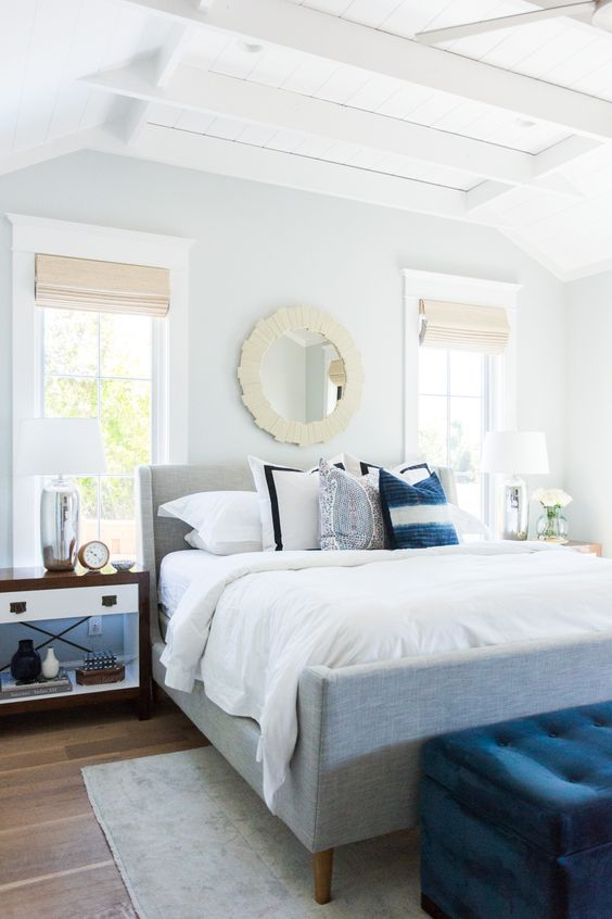 wall color is benjamin moore sleigh bells cut w white 50