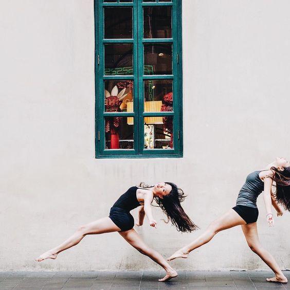 Ballerina: Malena & Stephy #ballet #ballethk #hkdance #balletphoto #urbanballet #ballerina #ballerinaproject #pointeshoes #hongkong #leotards #leotard #pointe #hongkonger #ballethk #canon5dmarkii #sigma50mmart  #vscocam #vsco by comme.des.danseurs