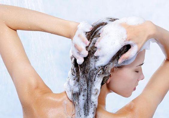 Nova forma e correta de lavar os cabelos.a creditem é o melhor e agente nem sabia..vejam só meninas..