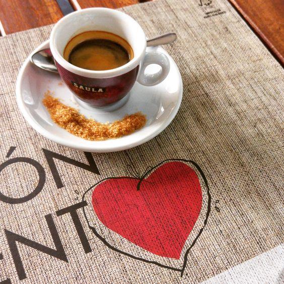 Amamos el café 100% natural y de la variedad arábica, el café que servimos en nuestra cafetería Il Panettone Zaragoza