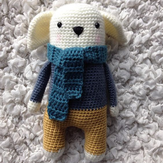 «Gudule et son écharpe #crochet #amigurumi #bear #rabbit #lapin #ours #CrocheterSonDoudou #marieclaireidees»