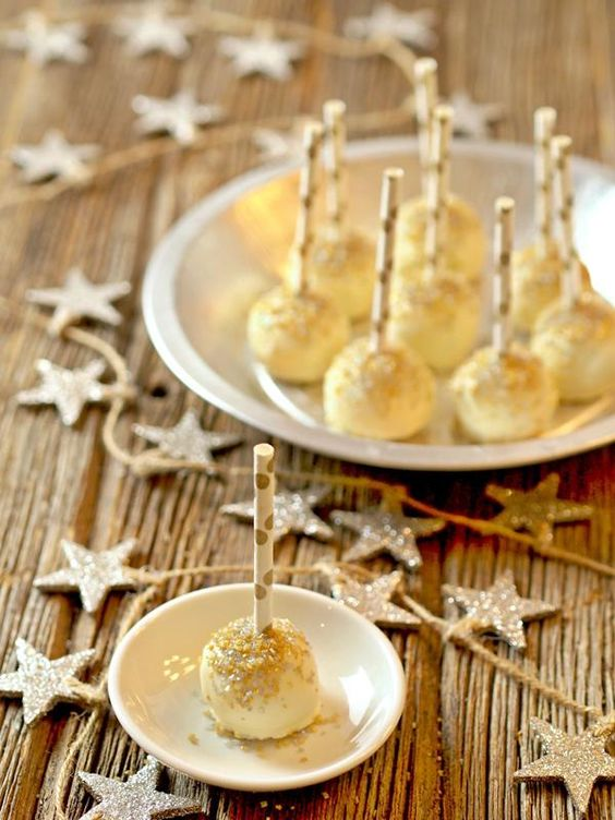 Cake New Year Recipe : Gold Glitter Cake Pops: Glitzy New Year s Eve Dessert ...