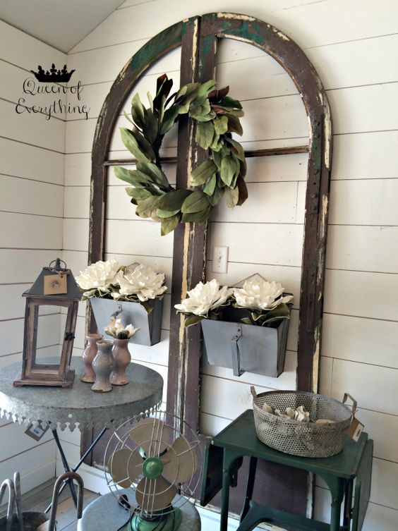 Road trip to waco texas love to meet magnolia wreath for Magnolia farms design ideas