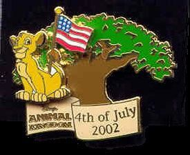 Animal Kingdom - 4th of July, 2002 Celebration (Simba) Walt Disney World (WDW) Pin.   Simba, from the Lion King, is featured on this pin on pin design, his tail is holding the American flag while flying in front of the Tree of Life. The bottom of the pin reads Disney's Animal Kingdom 4th of July 2002.