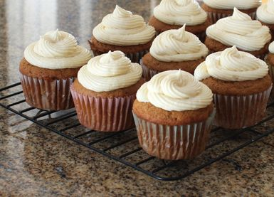Apple Butter Cupcakes With Fluffy Cream Cheese Frosting: Apple Butter Cupcakes With Fluffy Cream Cheese Frosting