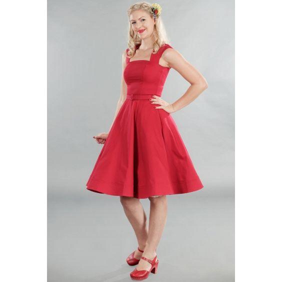 Per una serata fuori o per ballare ad una festa questo abito estivo è perfetto! Corpetto aderente e ampia gonna a ruota.