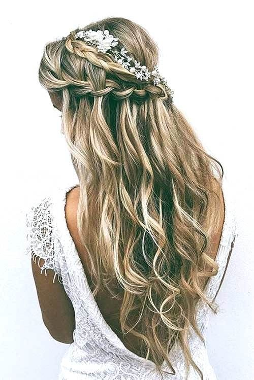 Unique Wedding Hairstyles Half Up Half Down With Braid Wedding Hairstyles With Bangs And Veil Wedding Ha Long Hair Wedding Styles Hair Styles Boho Wedding Hair