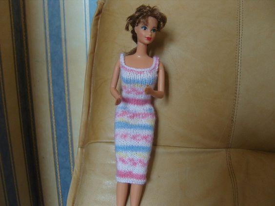 http://www.alittlemarket.com/jeux-jouets/fr_robe_elancee_pour_poupee_barbie_en_laine_multico_-8385199.html
