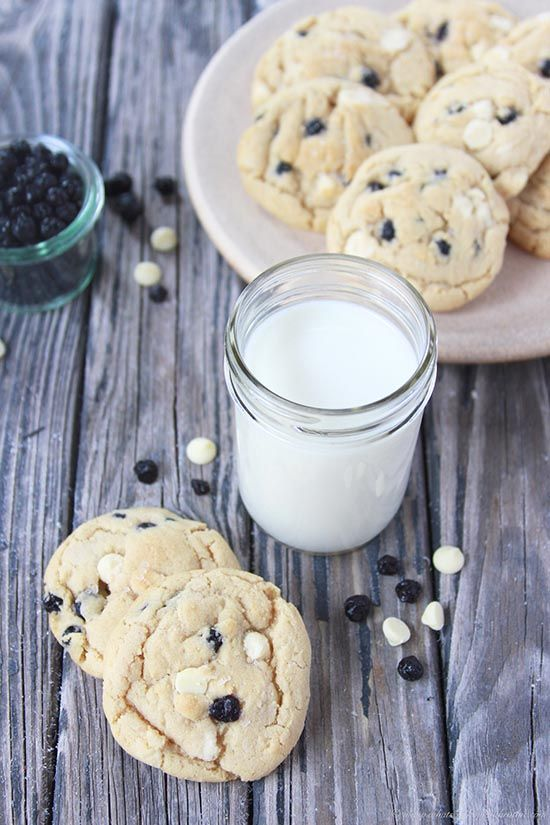 **wild-bluberries-and-white-chocolate-chip-cookies