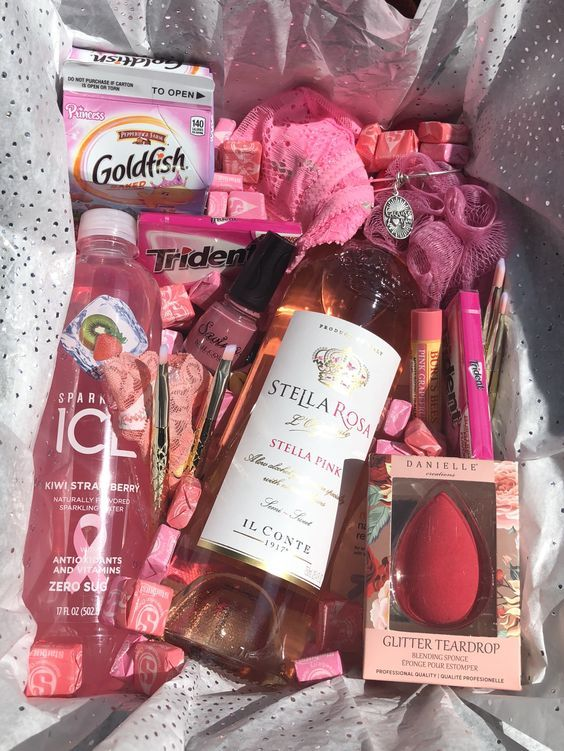 Birthday Gift Baskets Everything Pink Gift Box Gift Box Birthday Birthday Gift Baskets Birthday Gifts For Best Friend