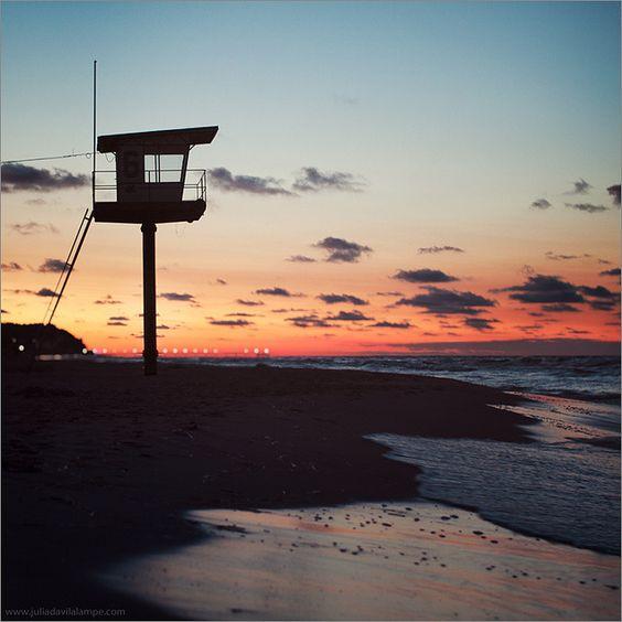 Sunset by Chaulafanita [www.juliadavilalampe.com], via Flickr
