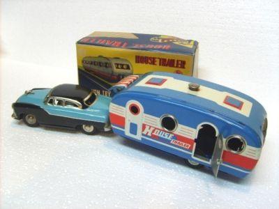 Vintage SSS Japan Tin Friction House Trailer & Car ~Box