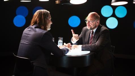 Richard David Precht mit Martin Schulz im Gespräch im Studio