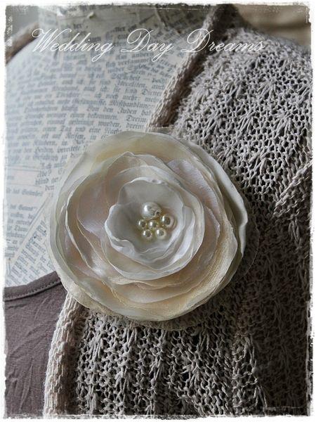 Stoffblüte von WEDDING DAY DREAMS auf DaWanda.com