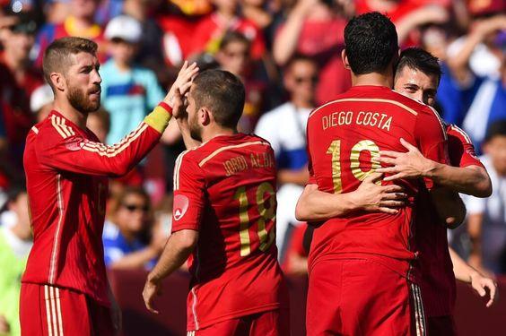 #ESPAUS Os campeões fazem hoje seu último jogo na Copa. Veja o perfil da Espanha http://fifa.to/1iGjq40 pic.twitter.com/LaLaKdZxXh