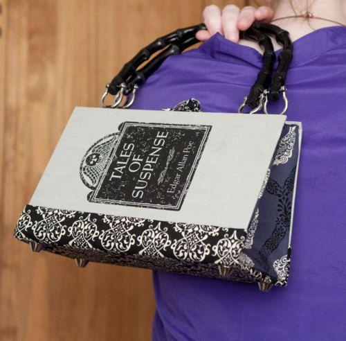 Você  pode comprar uma bolsa deste tipo, mas você também pode fazer a sua.