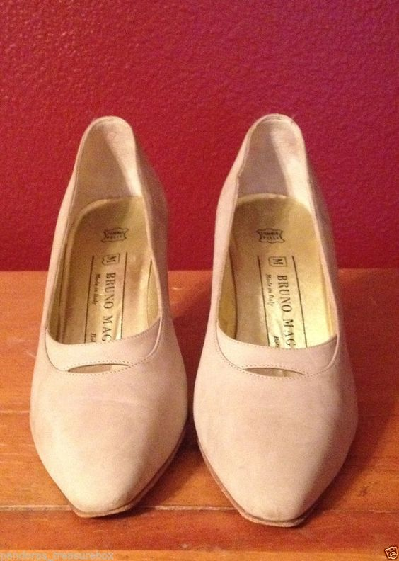 Bruno Magli beige suede Leather Pumps size 7 Made in Italy #BrunoMagli #heels