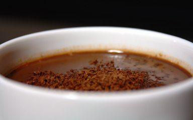 Cinco Quartos de Laranja: Chocolate quente picante de Vianne Rocher