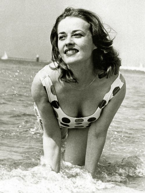 Jeanne Moreau at the beach: