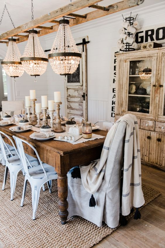 Neutral farmhouse fall dining room eclectic cottage for Neutral dining room ideas