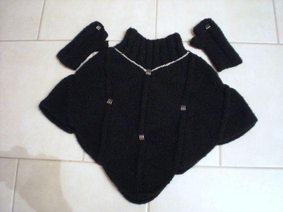 Poncho court au tricot