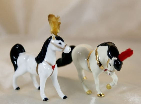 Hagen Renaker Mini Monrovia Circus Pony Horse Head Up by Ariamel, $80.00