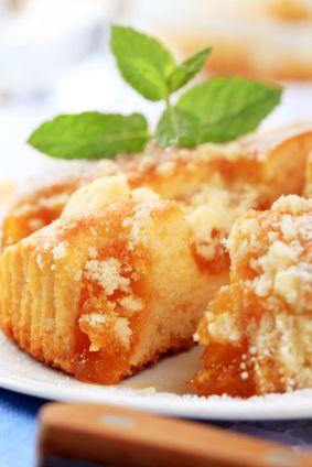 Un delicioso pastel de chabacanos frescos, excelente para acompañar una tarde de café con los amigos o para llevar de postre a una fiesta.