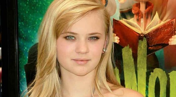 Sierra McCormick Height Weight Body Statistics Measurements