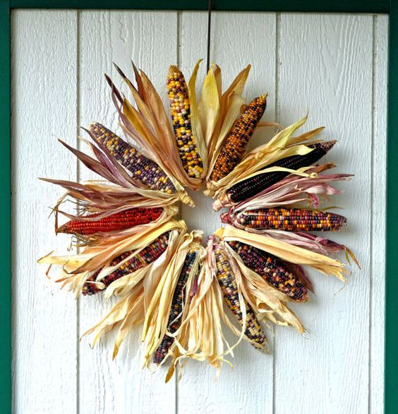 I want to figure out how to make this, although $23.95 is a reasonable price.    Large Indian Corn Wreath, Natural Indian corn fall wreath, Multicolored corn wreath, Autumn Wreath