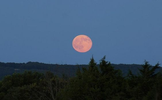 Blue Moon Photos of 2015: Amazing Full Moon Views by Stargazers