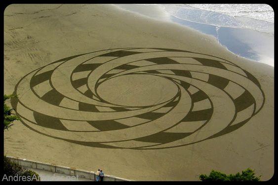 Obras de arte efêmeras na areia da praia 09