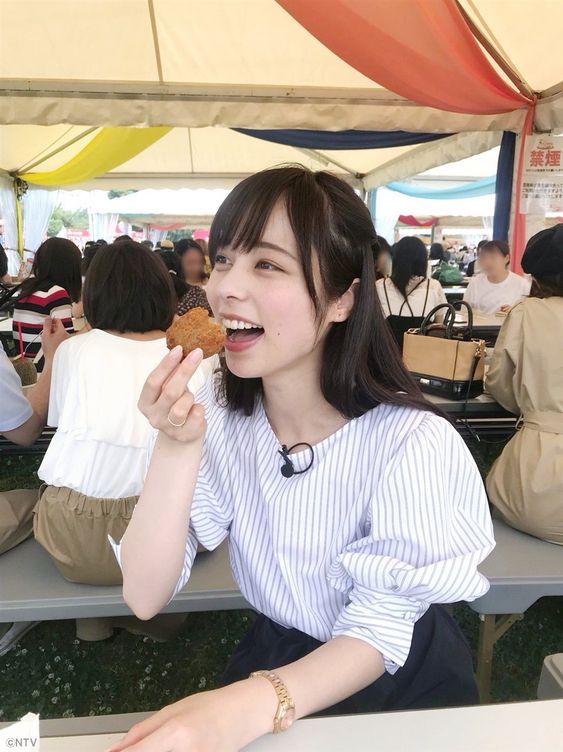 ストライプのトップスが可愛い山本萩子アナ