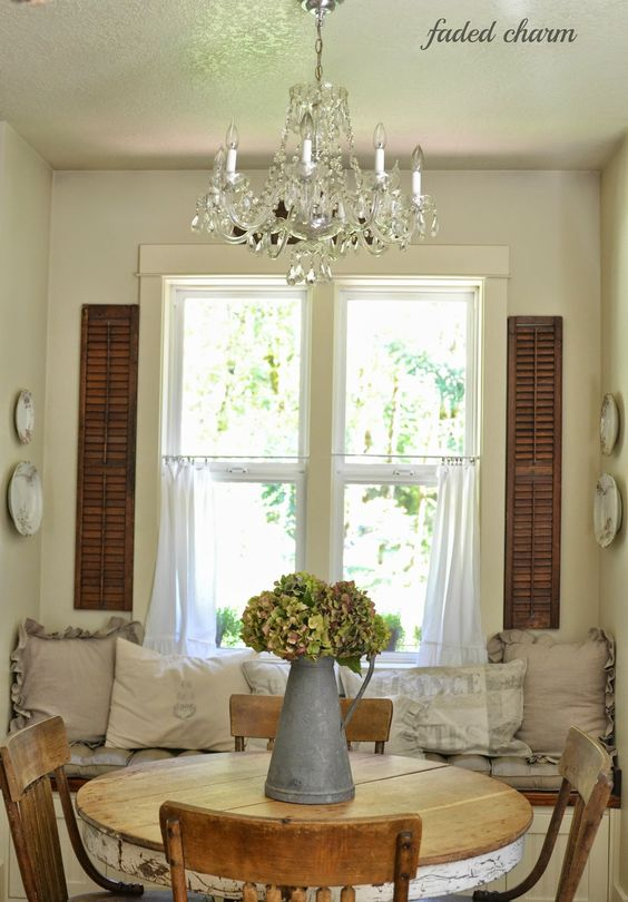 English cottages shutters and the shutter on pinterest for Cottage dining room ideas