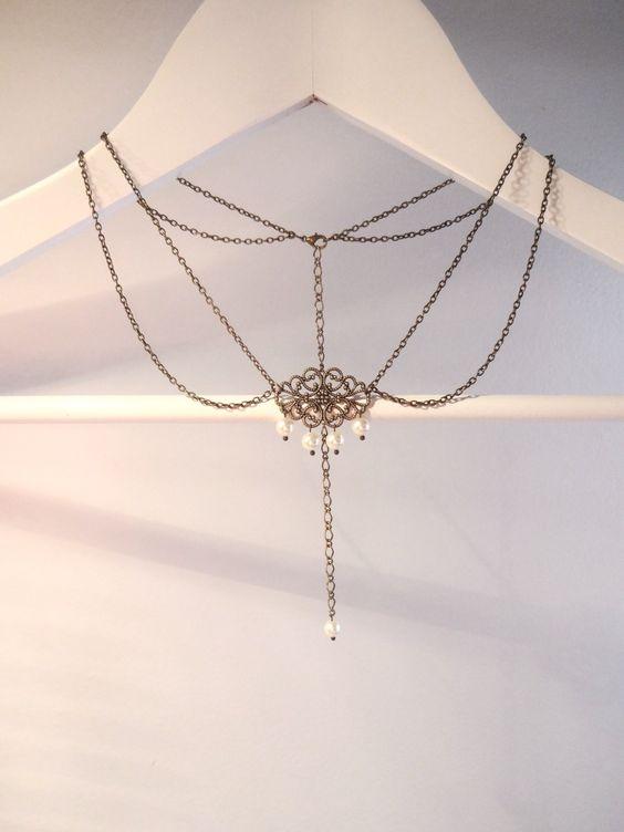 Collier bijou de dos mariage perles swarovsky avec arabesque ajourée bronze : Collier par les-bijoux-d-aki