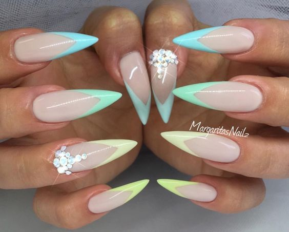 40 Stylish Short Coffin Nail Art Designs With Images White