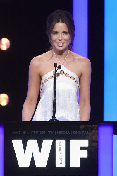 Kate Beckinsale Photos - Women In Film 2016 Crystal   Lucy Awards Presented By Max Mara And BMW - Inside - Zimbio