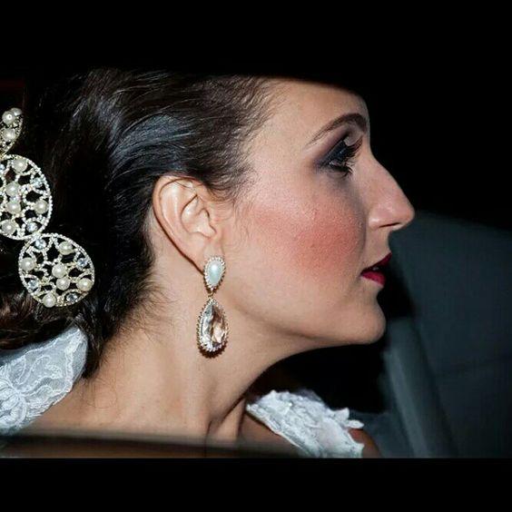 Tatiana Pirovani, nossa Noivinha com brincos em perola e topázio imperial #noivasmb #noiva #felicidades #mairabumachar