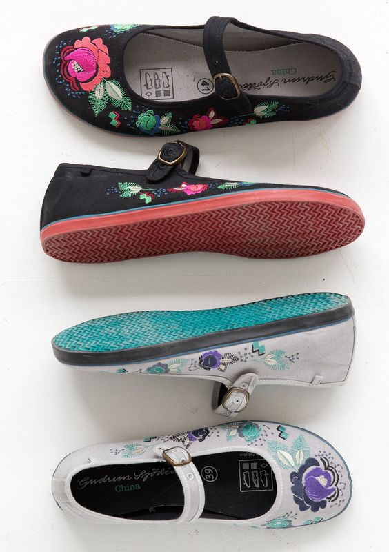 Shoes – GUDRUN SJÖDÉN – Webshop, mail order and boutiques | Colorful clothes and home textiles in natural materials.