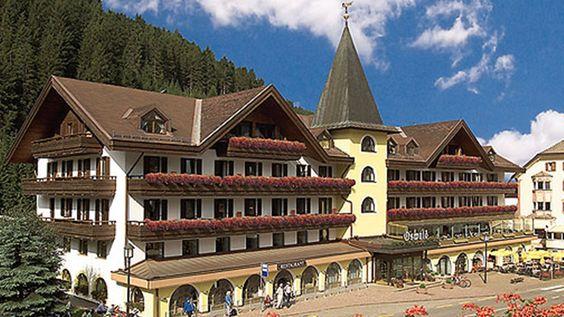 Als beliebtes Urlaubsziel für Skifahrbegeisterte, Wanderfreunde sowie Gaumenliebhaber ist das Hotel Oswald eine Gewähr für einen traumhaften und unvergesslichen Ski-, Wander- und Genussurlaub im Südtiroler Gröden. www.tierischer-urlaub.com - Urlaub mit Hund oder Katze