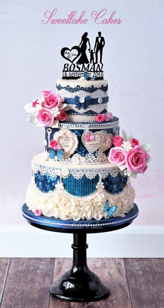 Blue shabby chic wedding cake