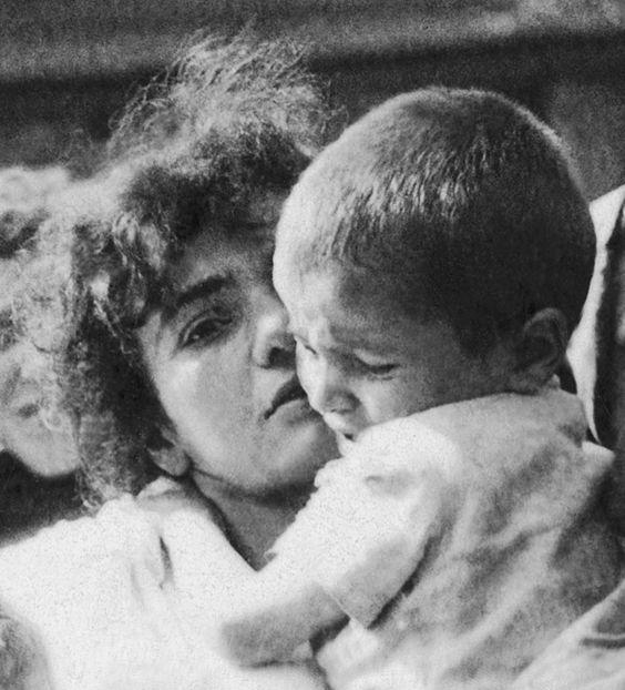 """""""Manchas de luz: ser mujer en el Holocausto"""" La deportación de los Judios de Szydłowiec, Polonia, al campo de Treblinka Muerte, 23 de septiembre 1942"""
