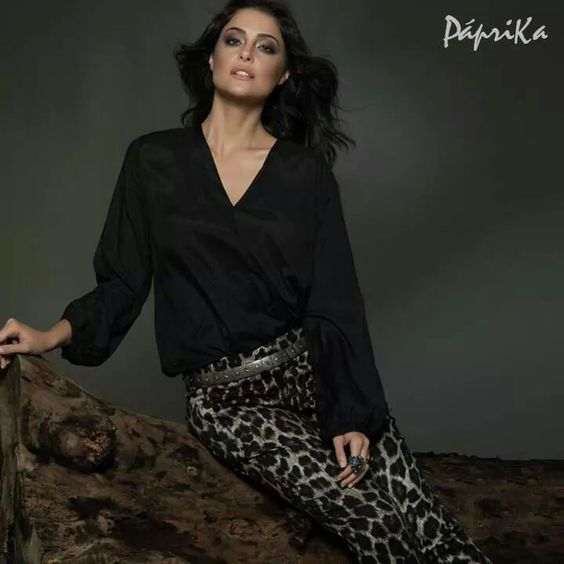Com calça animal print by Paprika! Ótima escolha!