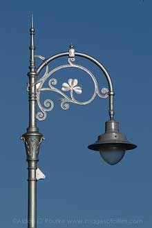 A beautiful Dublin street lamp.The shamrock is just lovely.