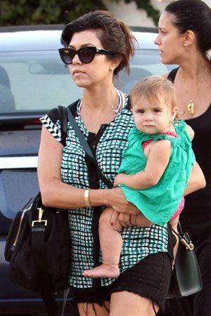 Celebrity moms who support breastfeeding.  Salma Hayek, Gwen Stefani, Maggie Gyllenhaal, Kourtney K and more.
